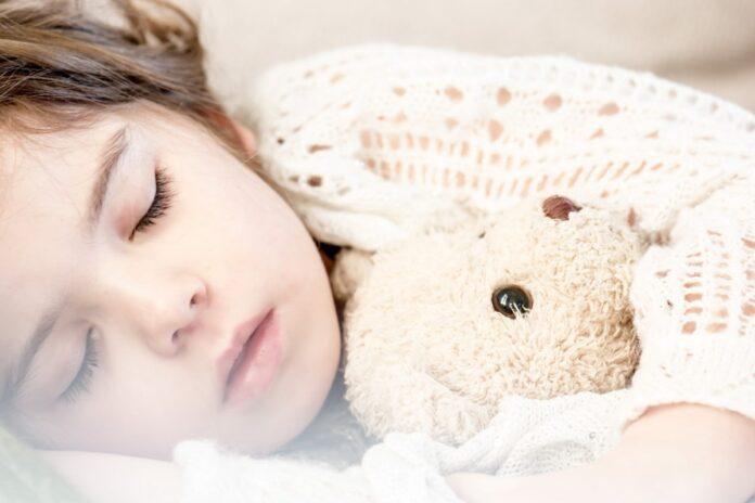 Как выбрать лечебную ортопедическую подушку ребенку